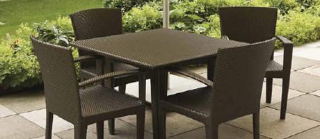Vendita sedie tavoli divani sgabelli poltroncine for Offerte tavoli e sedie da esterno